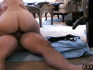 Wife gender a toy at the she rides him