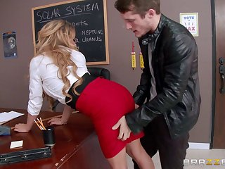 Pierced pussy pretty good pornstar Corinna Blake rides a hard penis