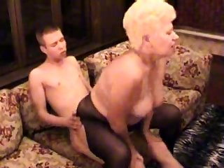 Amateur BBW Granny Fucked Apart from Say no to Younger Lover