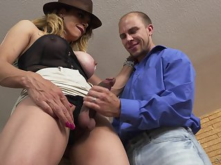 Transsexual cougar Sofia Sanders bangs young guy in brashness increased by anus
