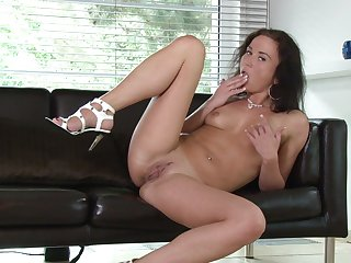 Desirable mature Niki Sweet moans while fingering their way wet pussy