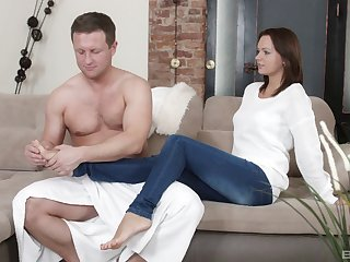 For detail ass fucking on the sofa with absolute incompetent tits girl Barbie